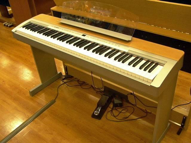 YAMAHA P140 S Piano - Delta Piano